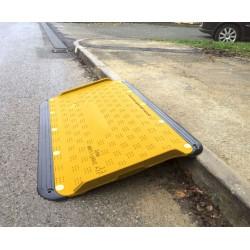 Rampe d'accès PMR trottoirs