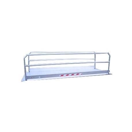 Passerelle en aluminium avec garde corps pour passage piétons
